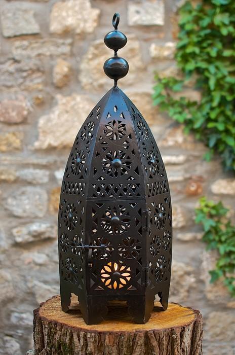 Lanterne traditionnel en fer forgé