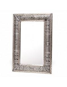 https://moroccodeco.com/grand-miroir-rectangulaire-en-metal-decore-miroir-fait-main