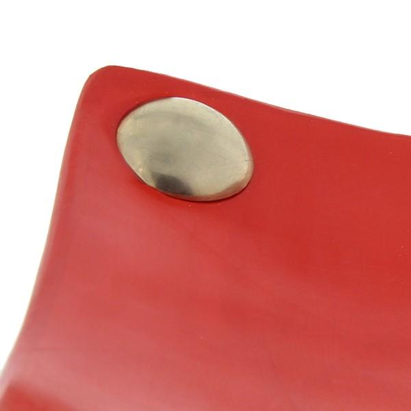 Assiettes a boutons Tadelakt carrées larges rouge