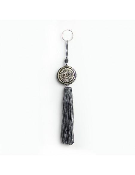 Porte cles Shems, porte cle en métal gravé et pompon en soie Gris