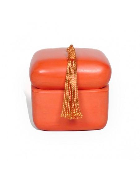 Boite carre tadelakt orange et son pompon de soie