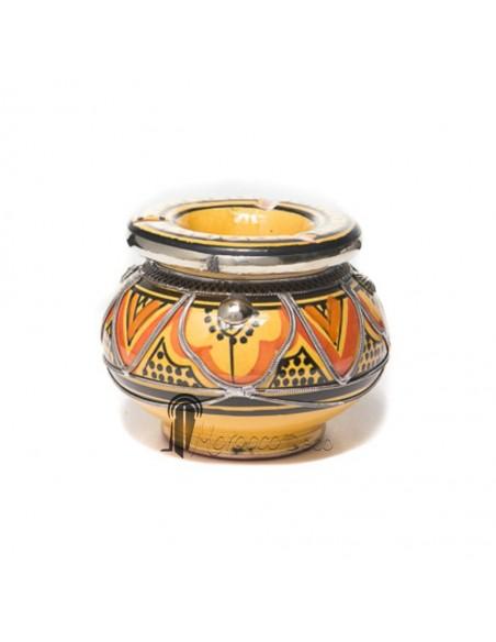 Cendrier marocain fait main jaune et orange, cerclé de métal poli et torsadé