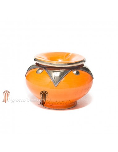 Cendrier marocain fait main orange, cerclé de métal poli et torsadé
