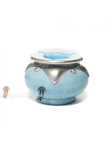 Cendrier marocain fait main turquoise, cerclé de métal poli et torsadé