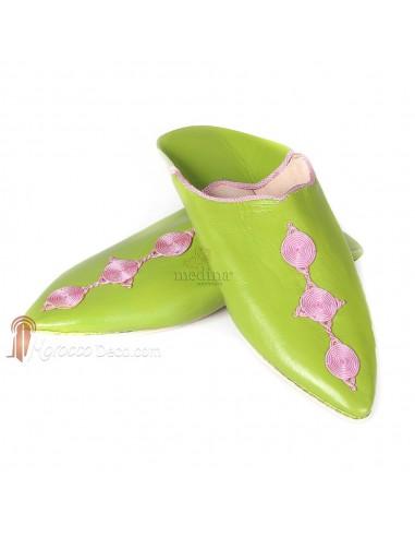 Babouche Mouna pistache_ babouche luxe de Fez à bout pointu en cuir veritable et broderies de soie_ chaussons fait main_ mocassi