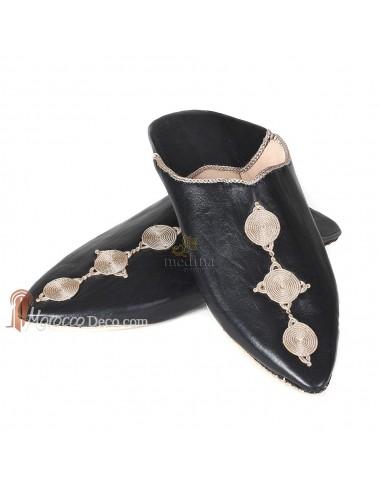Babouche Mouna noir babouche luxe de Fez à bout pointu en cuir veritable et broderies de soie chaussons fait main