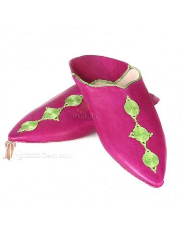 Babouche Mouna fuschia babouche luxe de Fez à bout pointu en cuir veritable et broderies de soie chaussons fait main