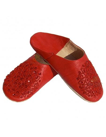Babouche paillettes brodées, babouche Femme modele Galia rouge, babouches a bout rond cousues main, chaussons en cuir veritable