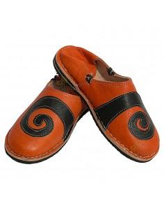 https://moroccodeco.com/babouches-hommes/507-babouche-berbere-design-spirale-orange-et-noir.html