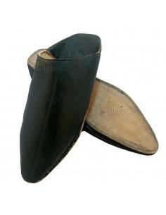 https://moroccodeco.com/babouches-hommes/544-babouche-homme-et-femme-traditionnel-noir-babouche-de-marrakech-a-bout-pointu-chaussons-cousus-main-mocassins-mixtes.html