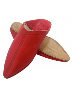 https://moroccodeco.com/babouches-hommes/545-babouche-homme-et-femme-traditionnel-rouge-babouche-de-marrakech-a-bout-pointu-chaussons-cousus-main-mocassins-mixtes.html