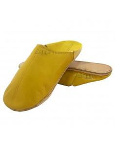 https://moroccodeco.com/babouches-hommes/549-babouche-homme-et-femme-traditionnel-jaune-babouche-de-marrakech-a-bout-rond-chaussons-cousus-main-mocassins-mixtes.html