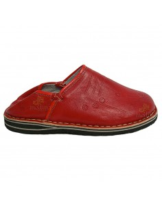 https://moroccodeco.com/babouches-hommes/559-babouche-touareg-homme-et-femme-couleur-rouge-babouches-confortables-et-solides-chaussons-robustes-pour-un-usage-quotidien.html