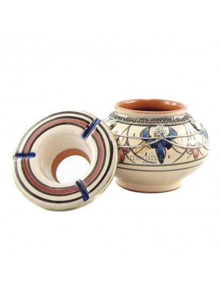Cendrier marocain fait main bleu et rouge, cerclé de métal poli et torsadé
