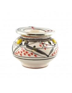 https://moroccodeco.com/cendriers/828-cendrier-marocain-fait-main-rouge-et-noir-incruste-et-cercle-de-metal-poli-et-torsade.html