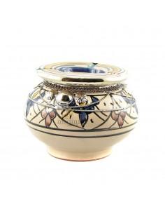 https://moroccodeco.com/cendriers/833-cendrier-marocain-fait-main-bleu-rouge-et-jaune-cercle-de-metal-poli-et-torsade.html