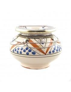 https://moroccodeco.com/cendriers/834-cendrier-marocain-fait-main-bleu-et-orange-cercle-de-metal-poli-et-torsade.html