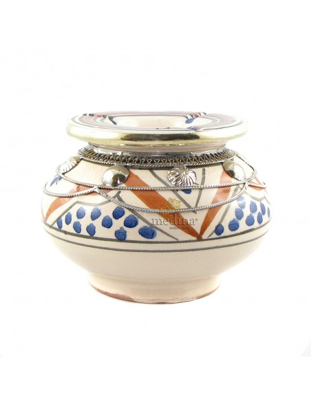 Cendrier marocain fait main bleu et orange, cerclé de métal poli et torsadé