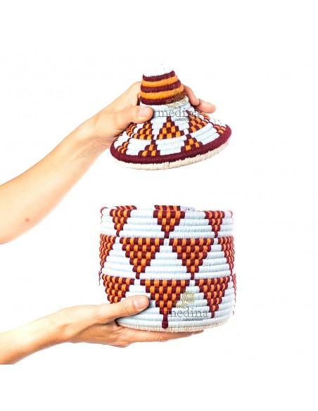 Boite vintage 4 cousue et tissée au fil de laine dans les tons rouge et blanc