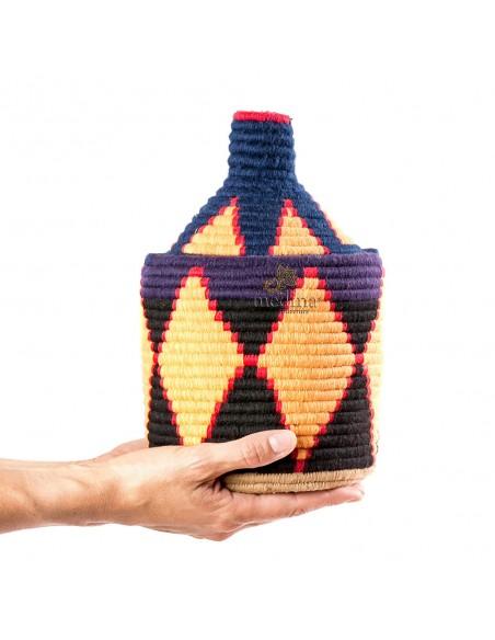 Boite vintage 17 cousue et tissée au fil de laine dans les tons jaune noir et bleu