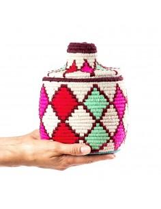 https://moroccodeco.com/boites-et-coffrets-vintages/953-boite-vintage-19-cousue-et-tissee-au-fil-de-laine-dans-les-tons-rouge-rose-et-vert.html