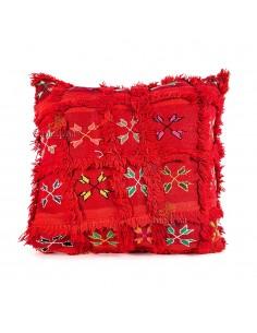 https://moroccodeco.com/coussin-vintage-rouge-tisse-et-brode-main-coussin-artisanal-design-carreaux