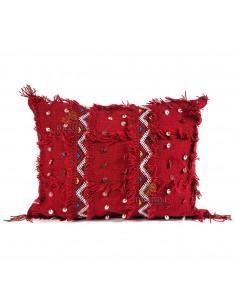 https://moroccodeco.com/coussin-vintage-rouge-tisse-a-la-main