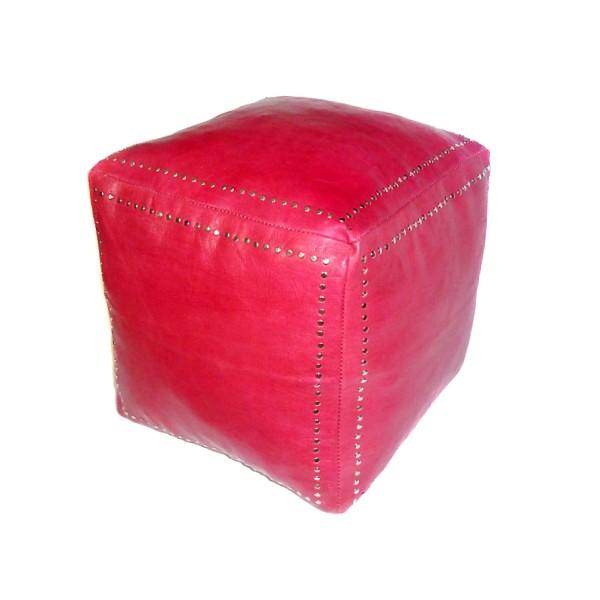 Pouf carr rouge en cuir boutons argent for Pouf carre rouge