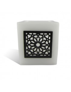https://moroccodeco.com/photophores/346-photophore-cube-blanc-motif-carre-mouchaibieh.html