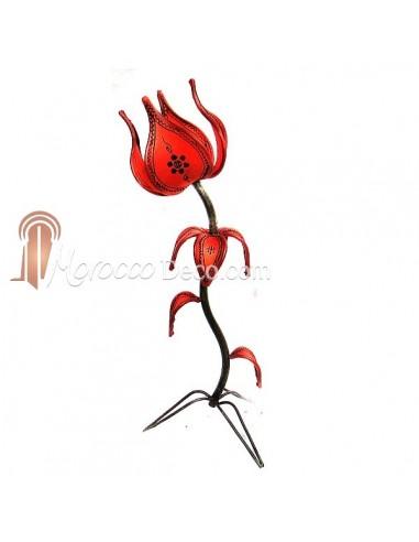 Lampe fleur en fer forgé et peau rouge